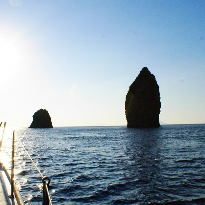 Wyspy-Liparyjskie-żeglarstwo-i-joga-triptrip-1