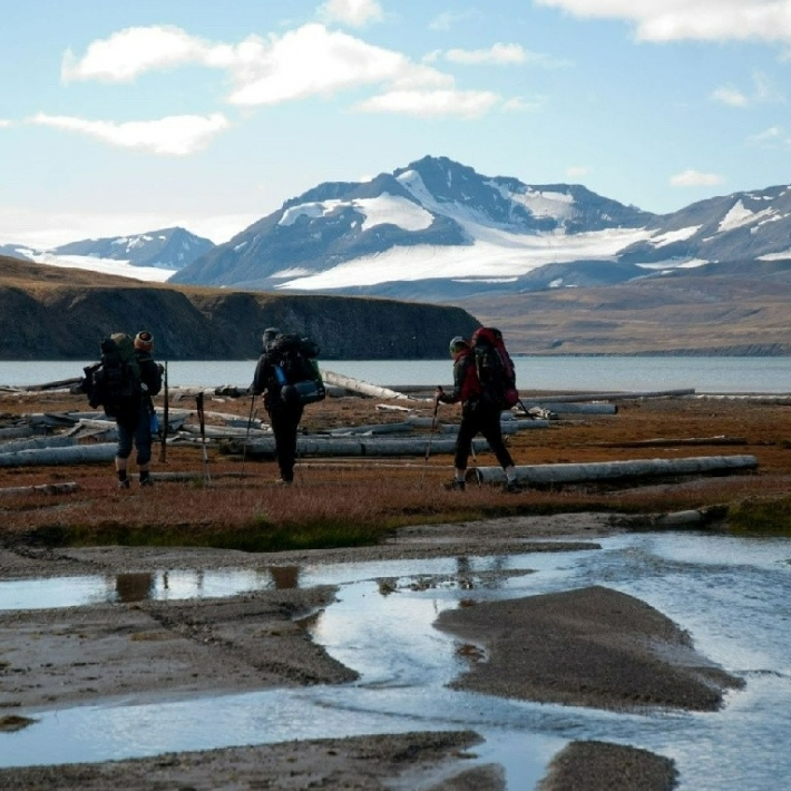 spitsbergen-arktyczny-trekking-tundra-TripTrip-1