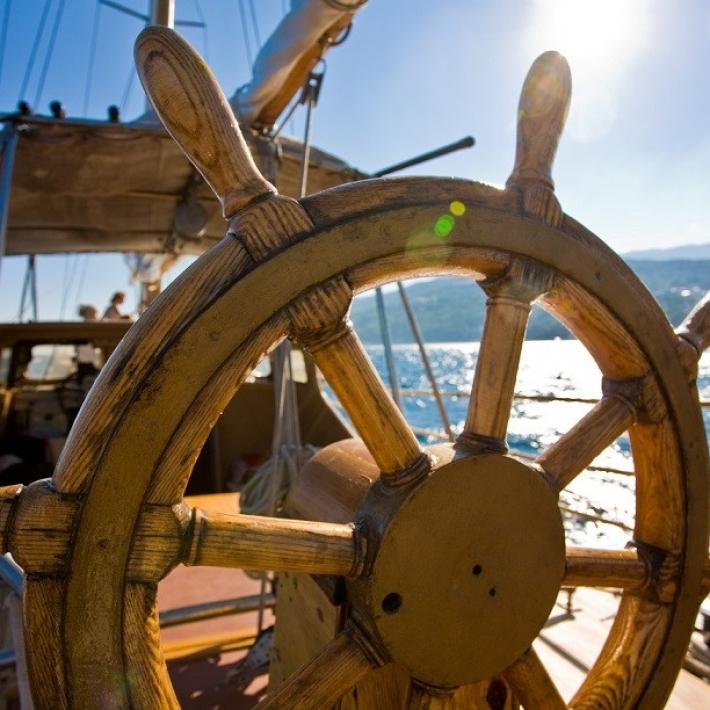 Kursy-żeglarskie-Chorwacja-jachtowy-sternik-morski-jachty-kurs-(2)-TripTrip